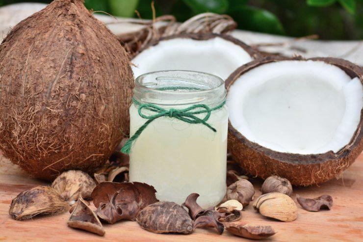 Czy można podać psu olej kokosowy?